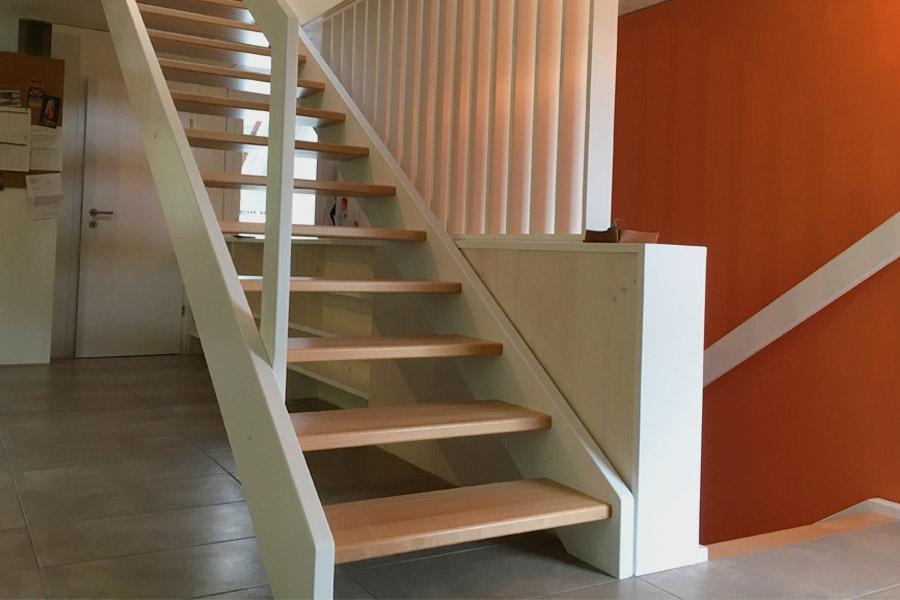 construction exotique r alisations escaliers droits. Black Bedroom Furniture Sets. Home Design Ideas