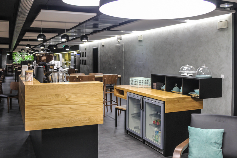 construction-exotique-menuiserie-geneve-lausanne-projet-Mur-vegetal-hopital-universitaire-geneve-banque-lombard-odier-restaurant-geneve-1